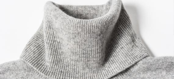 100-cashmere-women-turtleneck-sweater-trim-collar-details