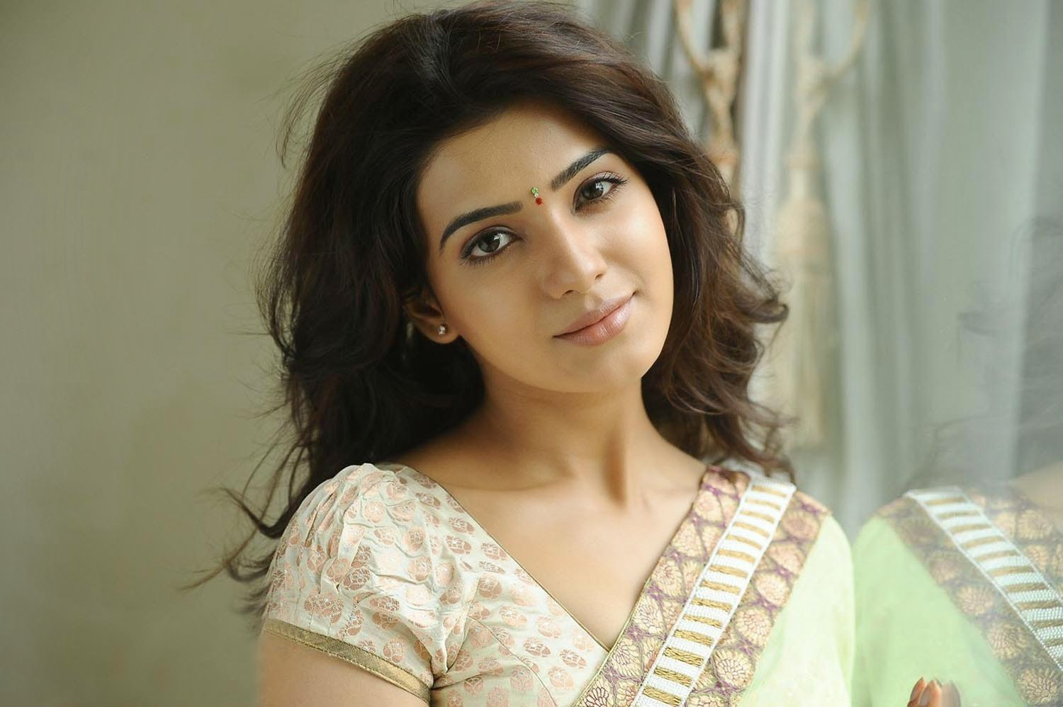 samantha-ruth-prabhu-wallpaper-pictures-54811-56546-hd-wallpapers