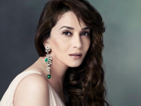 Madhuri-Dixit-Was-Madly-In-Love-With-Cricketer-Who-Is-18-Year-Older-To-Him-story