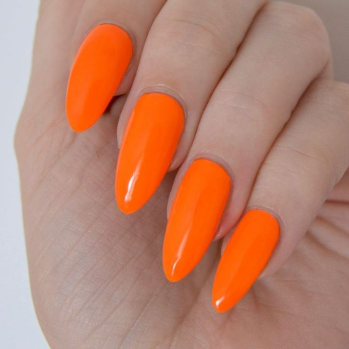 1cdc10cf8ffc0fa01bea9c14058826b5--orange-shellac-nails-neon-orange-nails