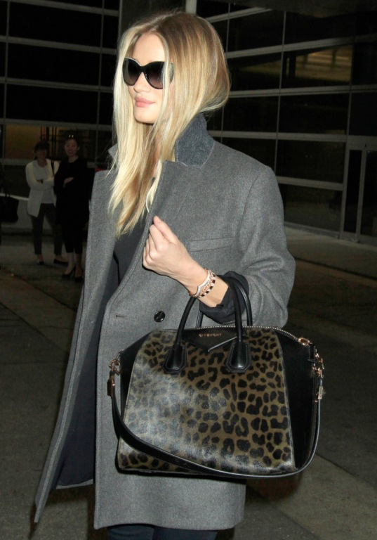 Celebrities-Carrying-Givenchy-Antigona-Bags-18