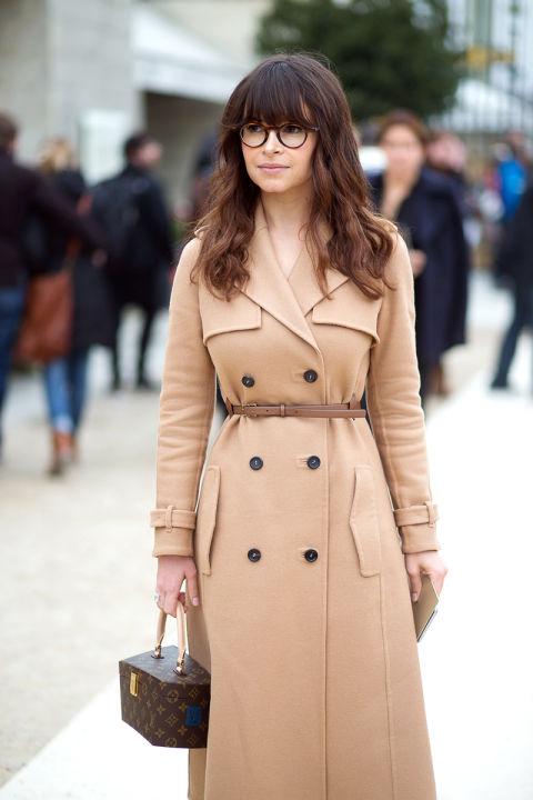 Miroslava-Duma_trench-bej_trench-versatil_piesa-basic_blog-moda_blog-fashion-Bacau_inspiratie-vestimentara_Adriana-Vieriu