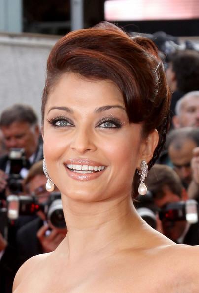 Aishwarya+Rai+Things+go+Up+Cannes+3kt0ET6iVz1l