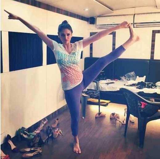 Aditi-Rao-Hydari-Workout-Fitness-Regime-Beauty-Secret-Weight-Loss-Sizes
