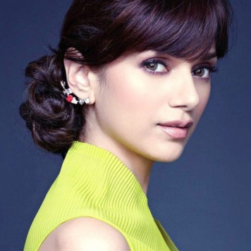 Cute-Aditi-Rao-Hydari-HD-Wallpapers