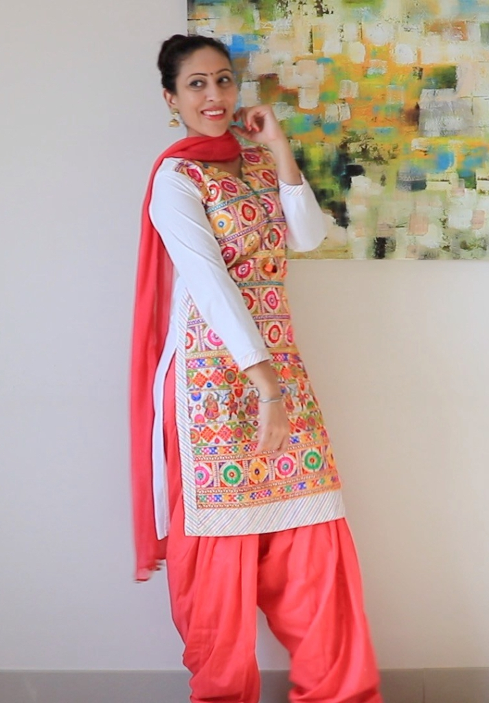 9fb43e97e9 Jyot Randhawa20 ways to style a Dupatta with Punjabi Suit