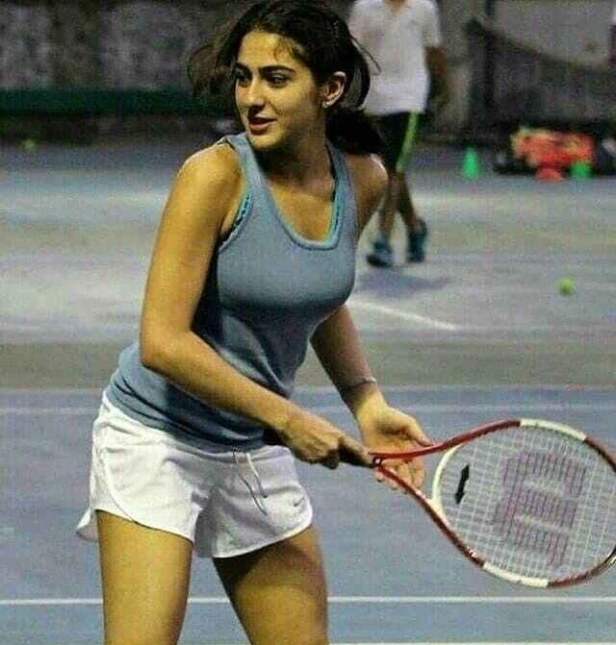 sara-ali-khan-plays-tennis-in-shorts-and-tank-top_152145694111.jpg